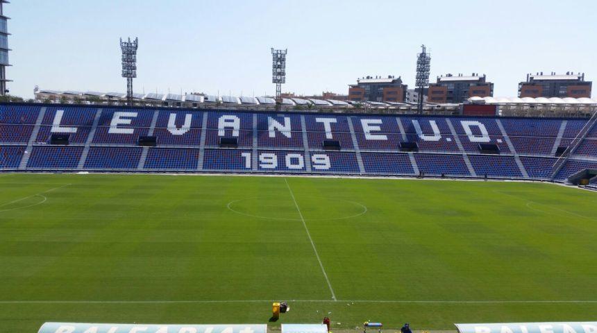 Composan Industrial y Tecnología ha suministrado materiales de reparación de los graderíos del estadio del Levante U.D.