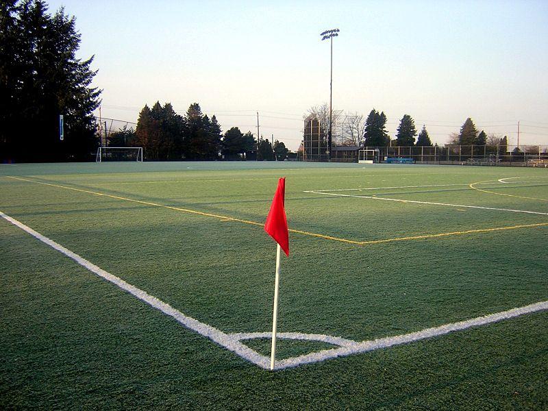 800px-Football_field_corner