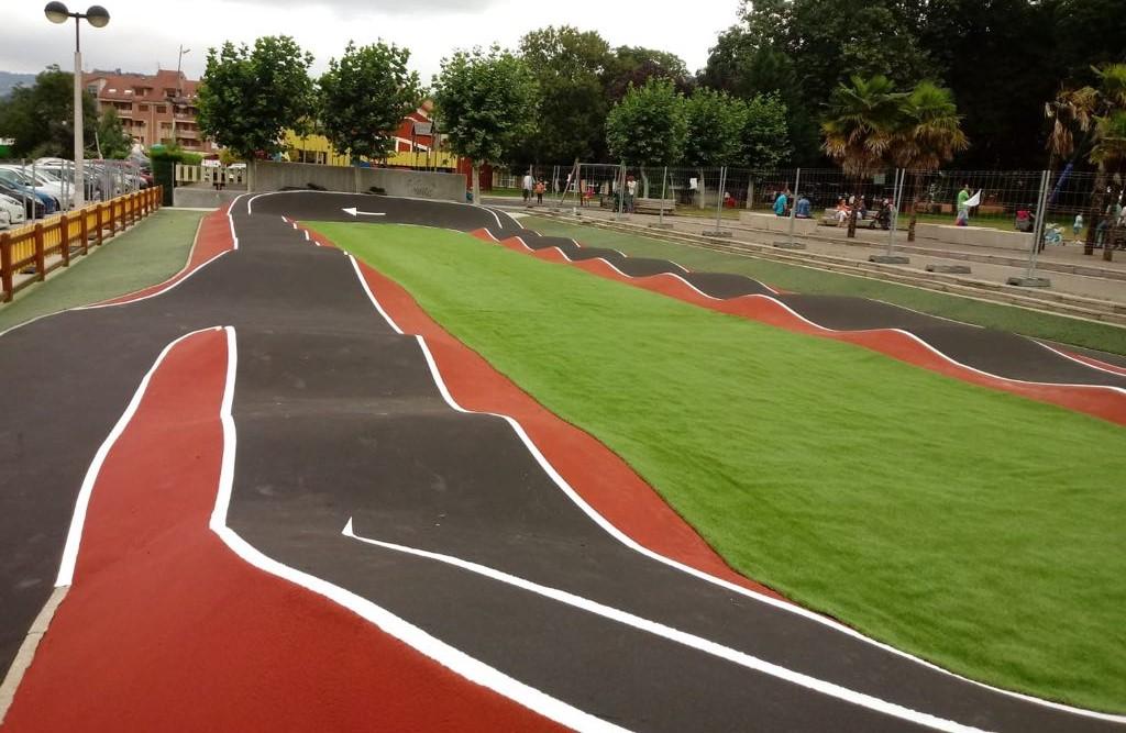 Circuito bici pumptrack. Asturias. Sportplus. Composan