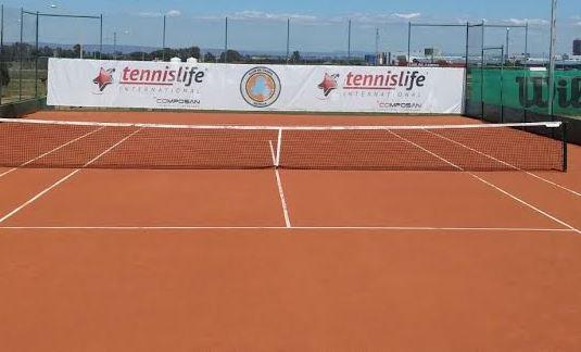 Inauguración de una pista de tierra batida híbrida en el Club de Campo de Sevilla
