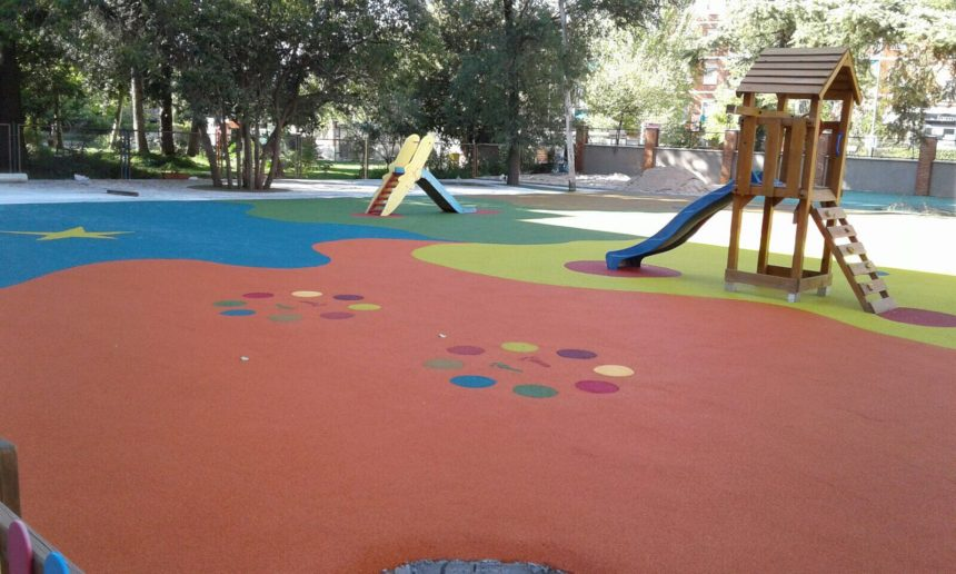 El colegio de Fomento en Las Tablas (Madrid) se renueva con pavimentos de COMPOSAN