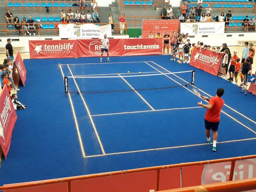 Nicolás Almagro y «Pato» Clavet promocionan el tenis en Salamanca