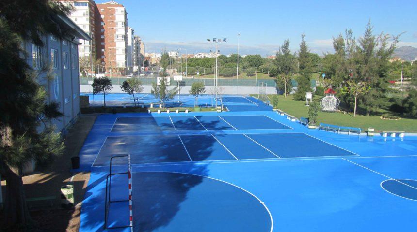 4 pistas polideportivas en el Colegio Ramiro Izquierdo de Castellón